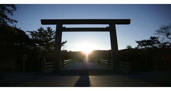 伊勢神宮に徹夜組続出!冬至の、日の出が美しすぎる!