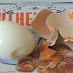 ゆで卵をするりと楽に剥く魔法の裏技5選!
